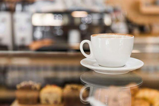 Nowoczesna ława kawowa do salonu