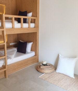 Łóżko piętrowe to dobre rozwiązanie dla niewielkich wnętrz
